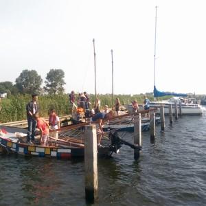 Masten laten zakken om naar Alkmaar gesleept te worden